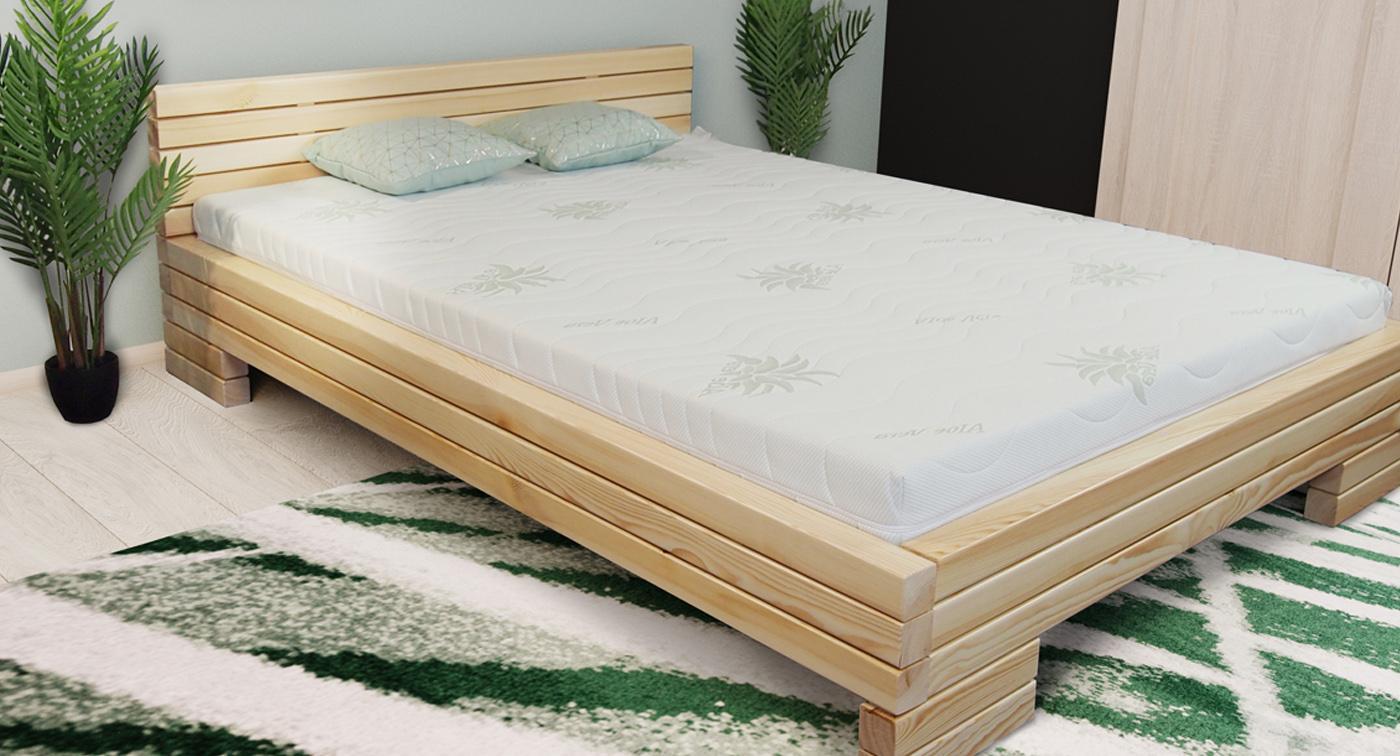 Łóżko z belek drewnianych